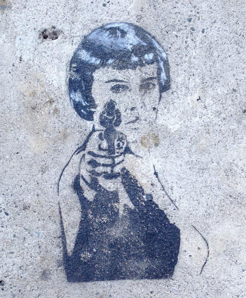 streetartwomanwithgun