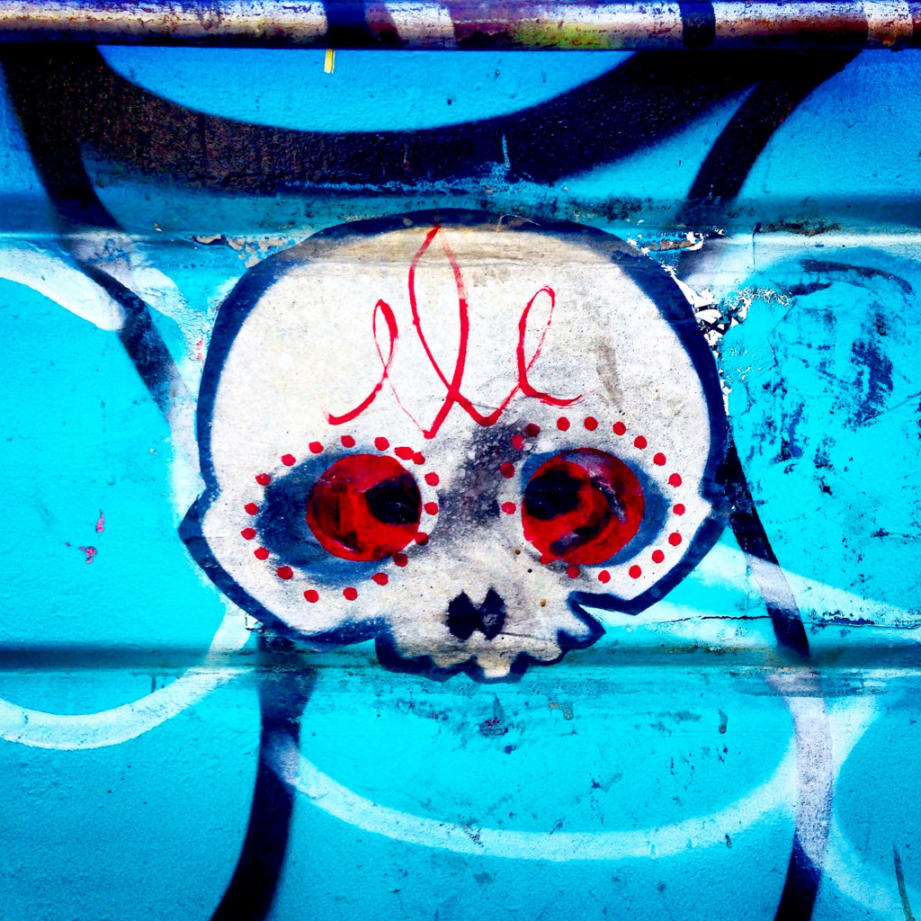streetartlosangelesdumpsterskull